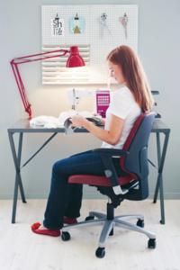 Siège de bureau avec nombreuses manettes de réglage Activ 220