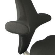 Varier les postures de travail grâce au siège ergonomique Capisco