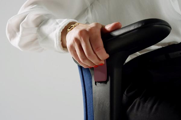 Réglage accoudoirs - New Logic - Siège ergonomique - toutes morphologies