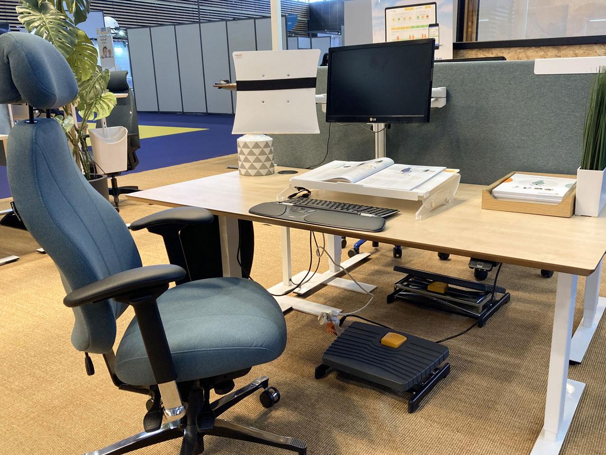 Aménagement de poste - ergonomie - siège ergonomique - support de documents - repose pied